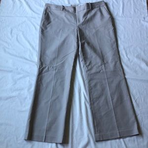 Tan women's pant! New with tags! pockets on back
